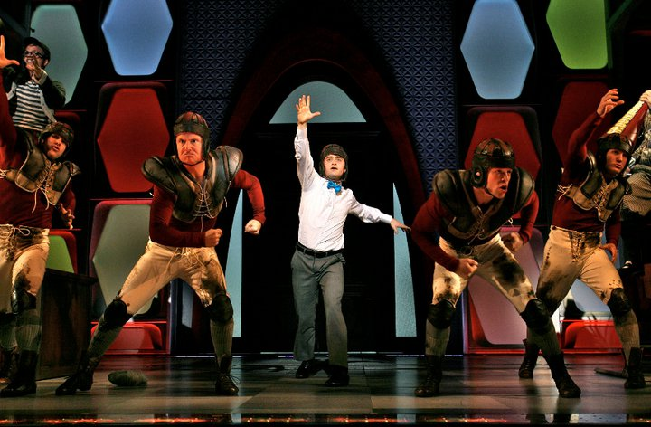 how to succeed in business without really trying broadway musical revival scene daniel radcliffe