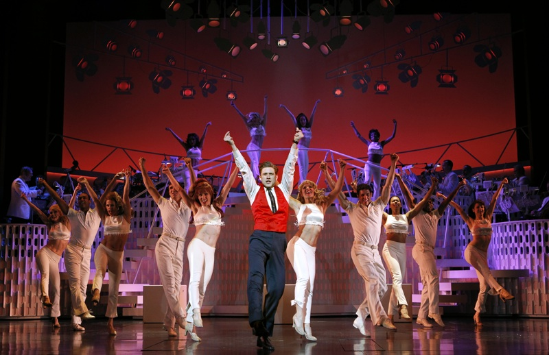 catch me if you can broadway musical scene aaron tveit