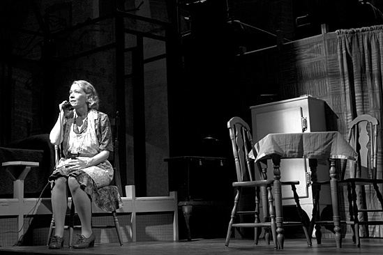 death of a salesman broadway linda emond andrew garfield phillip seymour hoffman